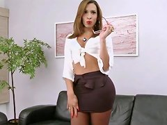 Transsecretary With Huge Cock In Pantyhose Txxx...